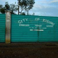 Kenya, aperti i seggi per la seconda votazione: scontri tra polizia e oppositori,