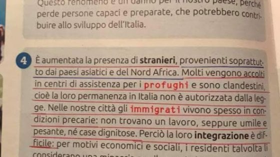 """Polemica sul sussidiario che confonde profughi e clandestini, l'editore: """"Rivedremo il testo"""""""