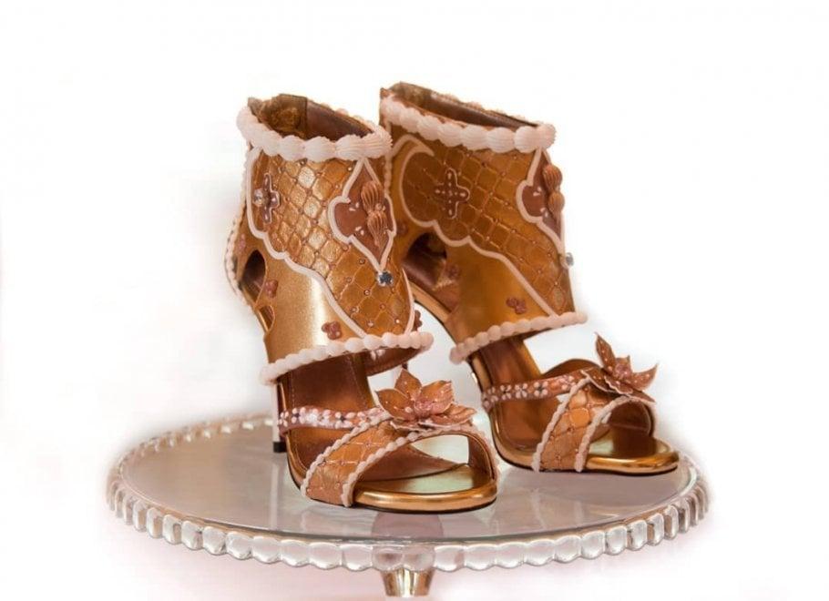 orologio 363ec e56d6 Le scarpe più costose del mondo: con oro e diamanti, valgono ...
