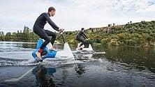 La bici-aliscafo per pedalare sull'acqua   Foto
