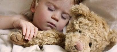 Anche i bambini russano,  attenzione alle apnee notturne  SCHEDA - Consigli per i genitori      di GIUSEPPE DEL BELLO