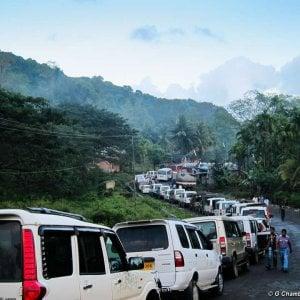 India, il business dei 'safari umani' nelle riserve: indigeni come animali in un parco