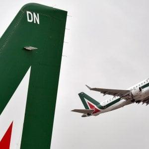 Alitalia, accordo con i sindacati: la cassa scende a 1.600 lavoratori