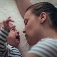 Così il pianto dei bambini 'tocca' il cervello delle mamme