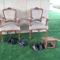 India, Gentiloni e l'omaggio a Gandhi: senza scarpe nel Raj Ghat