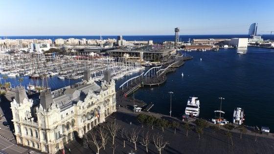 Una Terrazza Con Vista Sul Mare Di Barcellona Repubblica It
