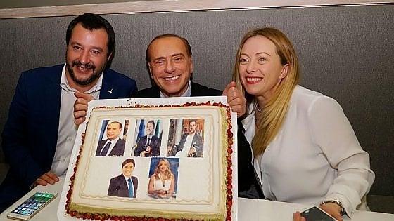 """Berlusconi, Meloni, Salvini e il patto dell'arancino: """"Al lavoro per vincere le politiche"""""""
