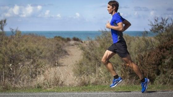"""""""La maratona è un'equazione, il triathlon un romanzo"""": la lezione di Daniel Fontana"""