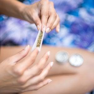 Contrordine l'uso regolare di cannabis fa bene al sesso