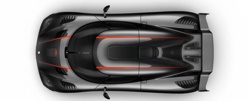 La folle corsa ai record di velocità con auto di serie: siamo a 444 km/h