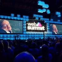 I dubbi di Stephen Hawking sull'intelligenza artificiale: ''Potrebbe distruggere la nostra società