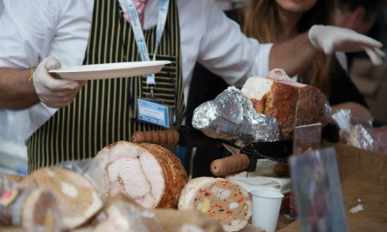 Un bicchiere in mano nella città bomboniera: arriva il Merano Wine Festival