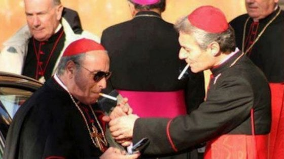 """""""Le sigarette fanno male"""": dal 2018 vietata la vendita in Vaticano"""