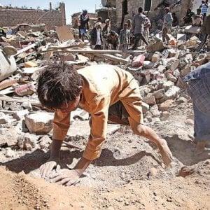 Yemen, frontiere chiuse dall'Arabia Saudita: impossibile l'accesso degli aiuti umanitari