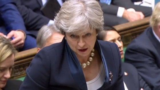 """Brexit, May: Gb uscirà il 29 marzo alle 23. Barnier: """"Servono progressi entro due settimane"""""""