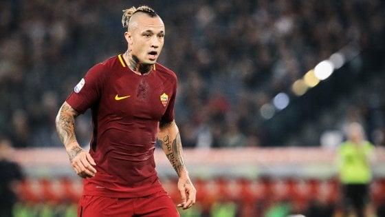Roma, lesione all'inguine per Nainggolan: derby a rischio