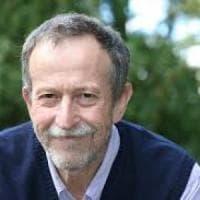 Violenza sessuale, ex studentessa accusa di stupro il professor Franco Moretti