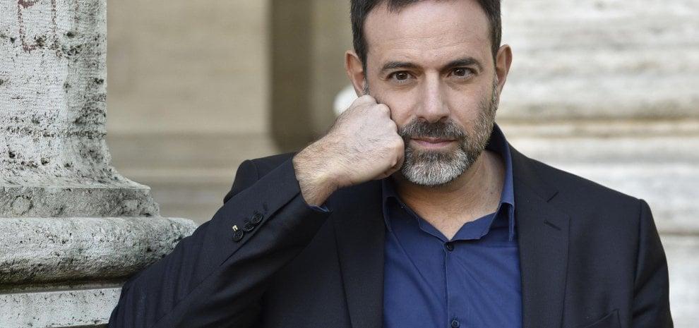 """Molestie sessuali, Fausto Brizzi: """"Mi tutelerò, intanto sospendo il mio lavoro"""". Asia Argento: """"Querelaci tutte"""""""
