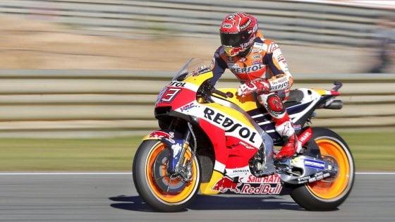 MotoGp, Valencia: pole di Marquez, Dovizioso è solo nono