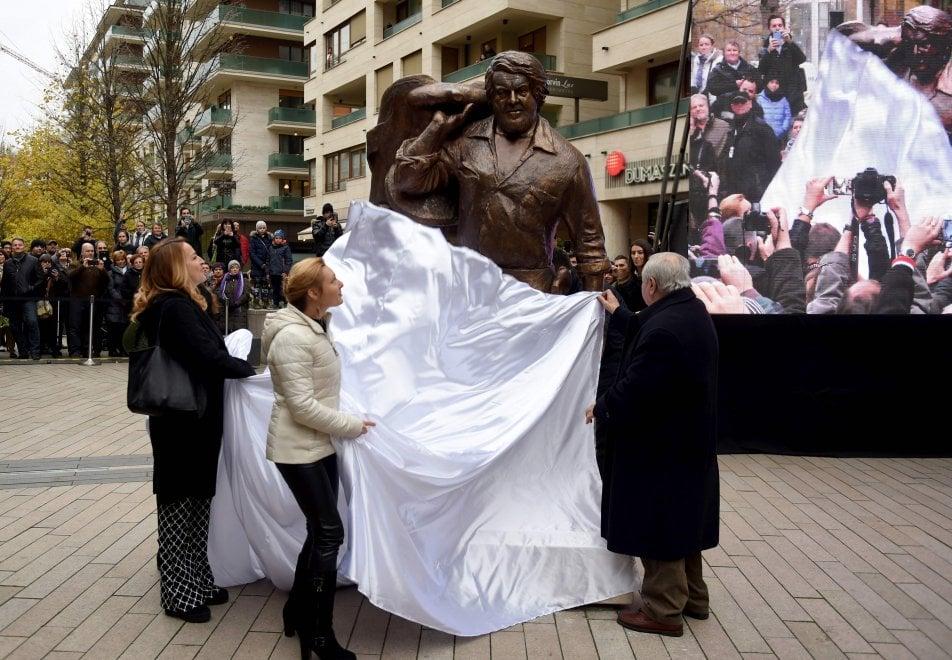 Bud Spencer, una statua a Budapest: l'Ungheria rende omaggio a Carlo Pedersoli