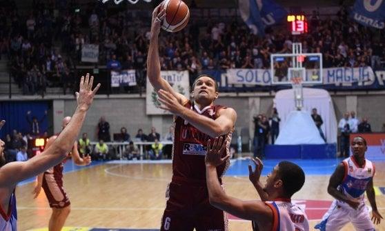 Basket, Serie A: Milano e Venezia corsare, Reggio Emilia travolge Pistoia