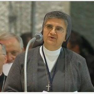 """Suor Pina Del Core: """"Anche i preti soffrono, li curo con l'ascolto"""""""