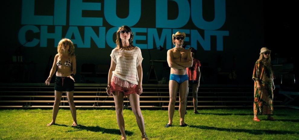 """Occidente in crisi, Julien Gosselin: """"Il mio teatro spazza i vecchi pregiudizi ideologici"""""""
