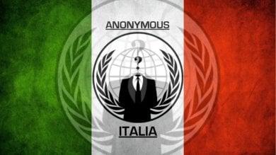 """Anonymous 'buca' governo e ministeri: ''Ecco i vostri dati personali"""""""