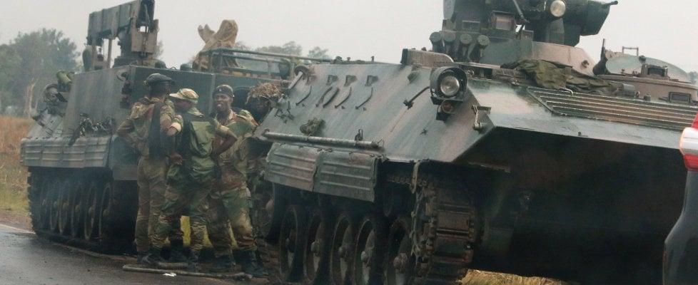 Golpe in Zimbabwe: militari in strada, presidente Mugabe nelle mani dell'esercito