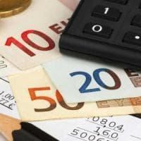 Addio tariffe 28 giorni, che succede ora: allo studio rimborso da 10 euro a linea