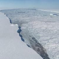 Il gigantesco iceberg nelle foto Nasa. Cambia per sempre la mappa Antartica