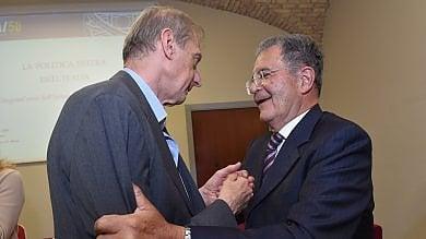 """Pd, Fassino incontra Prodi a Bologna   Il prof: """"Ti aiuto ma non scendo in campo"""""""