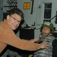 """Molestie, accuse a senatore dem Franken. L'ex comico tv si scusa: """"Non l'avrei dovuto..."""