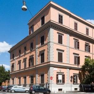 Povertà, donne in difficoltà potranno partorire alla clinica Santa Famiglia di Roma