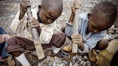 """Lavoro minorile: migliaia di ragazzini """"intrappolati"""" nella catena  dei produttori di cobalto in Congo"""
