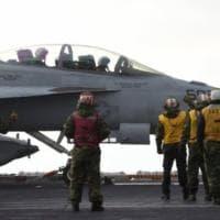 Usa, la scia del caccia è un simbolo fallico: la Marina 'processa' il top gun