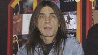 Addio a Malcolm Young, co-fondatore degli Ac/Dc.Il chitarrista aveva 64 anni