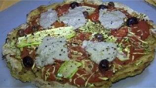 Dopo i vegani, ecco i fruttariani:la pizza è fatta con il platano
