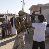 Mosul, gli alpini italiani e quei banchi di speranza per i bimbi iracheni