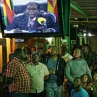 "Zimbabwe, Mugabe spiazza tutti: non si dimette. In diretta tv: ""Grazie a tutti e..."