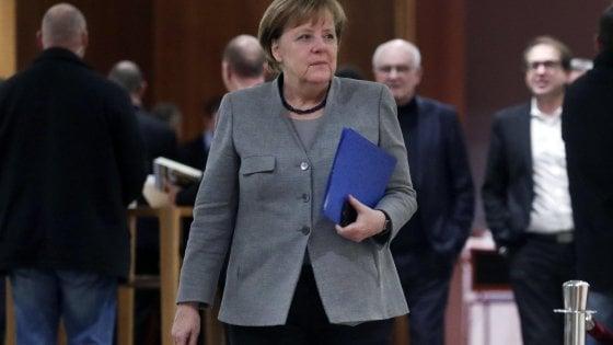 """Germania, fallite trattative per un governo """"Giamaica"""": liberali dicono no"""