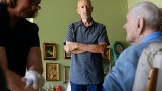 """Cacciatore di centenari: """"Chiedo il Dna ai supernonni per svelare il segreto della longevità"""""""