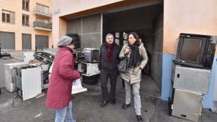 Torino, partito lo sgombero dei rifugiati dall'ex villaggio olimpico