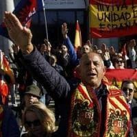 Braccia tese e nazionalismo, Twitter s'incendia sull'anniversario della morte di Franco