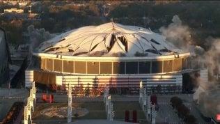 Demolito lo stadio di Atlanta: 214 milioni di dollari in fumo