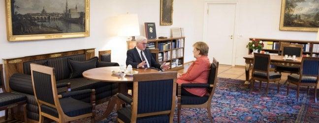 Angela Merkel a colloquio con il presidente tedesco Steinmeier