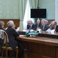"""Pensioni, proposta di Gentiloni ai sindacati: """"Firmate il pacchetto e lo blindiamo in..."""