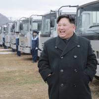 Corea del Nord, Kim: vietate riunioni dove si beve e si canta
