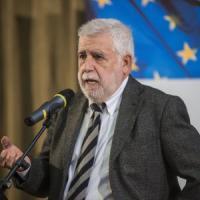"Giulio Santagata: ""Assurdo dividersi per l'antipatia dei leader"""