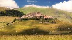 Da Portovenere a Urbinoi borghi più belli. Con Castelluccio foto